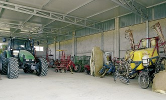 Strutture Industriali - Capannone uso deposito agricolo